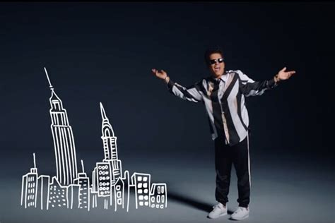 Bruno Mars' 'That's What I Like' Video: Watch Him Show Off