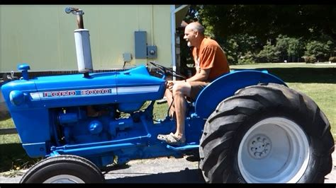 Tractor Pull - LifeBuzzN Style - 1965 Ford 3000 Utility